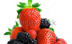Stock-photo-big-berry-pile-56977195