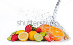 Stock-photo-fresh-fruit-with-water-splash-isolated-on-white-background-129352319