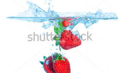 Stock-photo-fresh-strawberry-dropped-into-water-with-splash-on-white-backgrounds-105313436