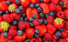 Stock-photo-strawberries-blueberries-and-raspberries-81015748