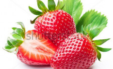 Stock-photo-strawberries-with-leaves-isolated-on-a-white-background-100320752