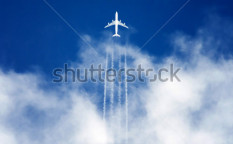 Stock-photo-airplane-high-in-the-sky-41237713