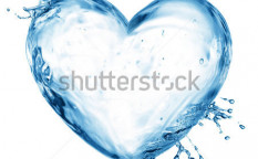 Stock-photo-heart-from-water-splash-with-bubbles-isolated-on-white-93946156